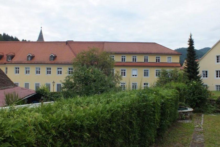 Blick auf Nachbargebäude